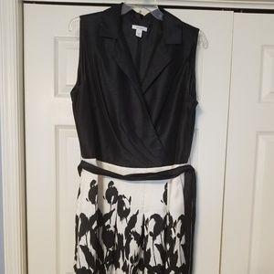 Pretty knee length Dress